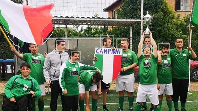Un calcio alla diversità